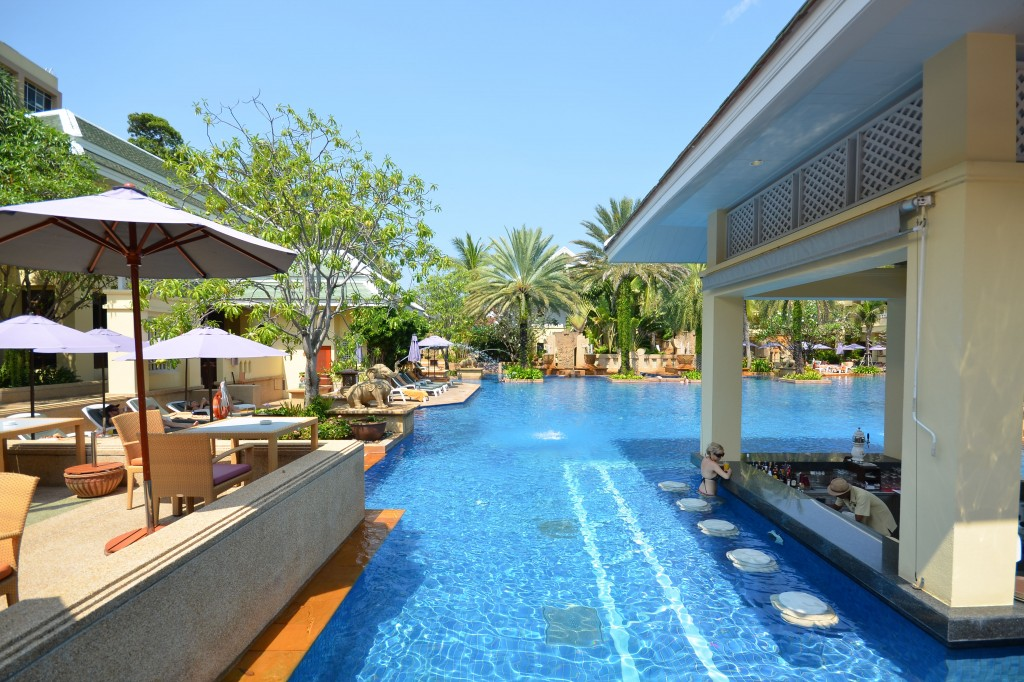 Holiday Inn, Patong Beach, Busakorn pool