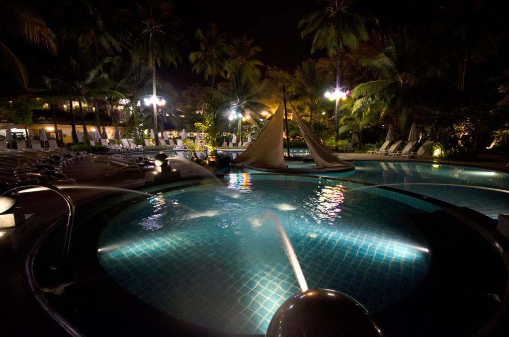 Holiday Inn, Patong beach main pool at night