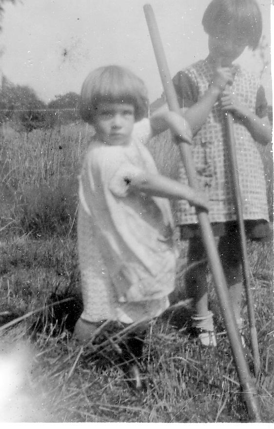 Joan&Pat1940